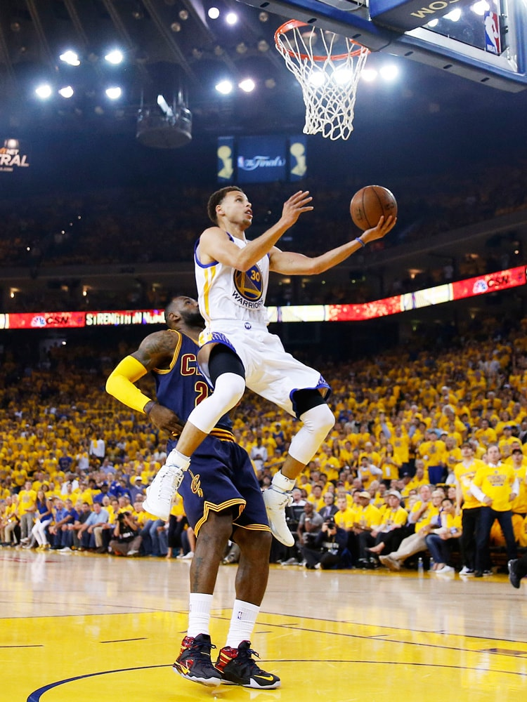 Curry's Fourth Quarter Takeover Leads Dubs to Game 5 Victory | Golden State Warriors