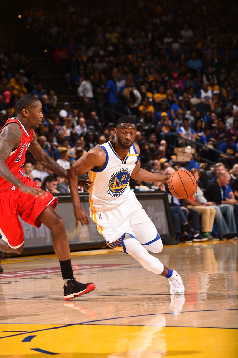 OAKLAND, CA - OCTOBER 4: Ian Clark #21 of the Golden State Warriors