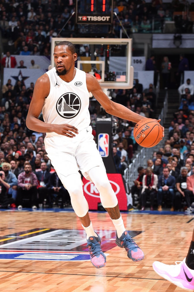 LOS ANGELES, CA - FEBRUARY 18: Kevin Durant #35 Of Team LeBron handles