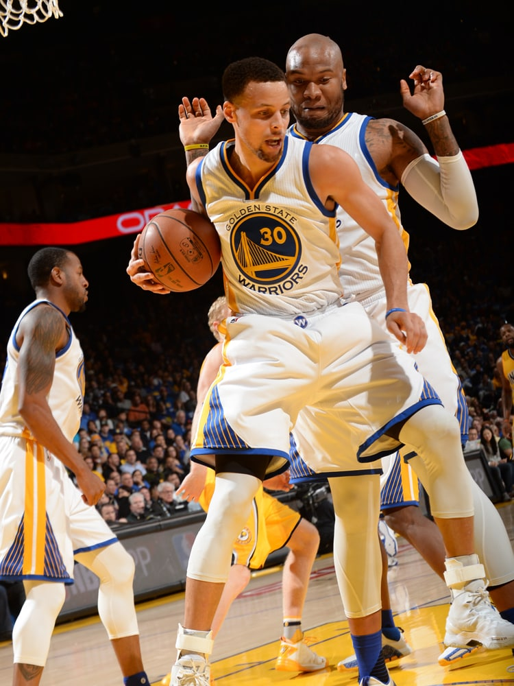 Warriors Race by Pacers | Golden State Warriors