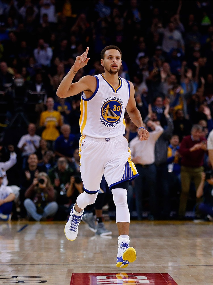 fa5618bd8f02 Curry is the 11th player in NBA history to win the award in consecutive  seasons (