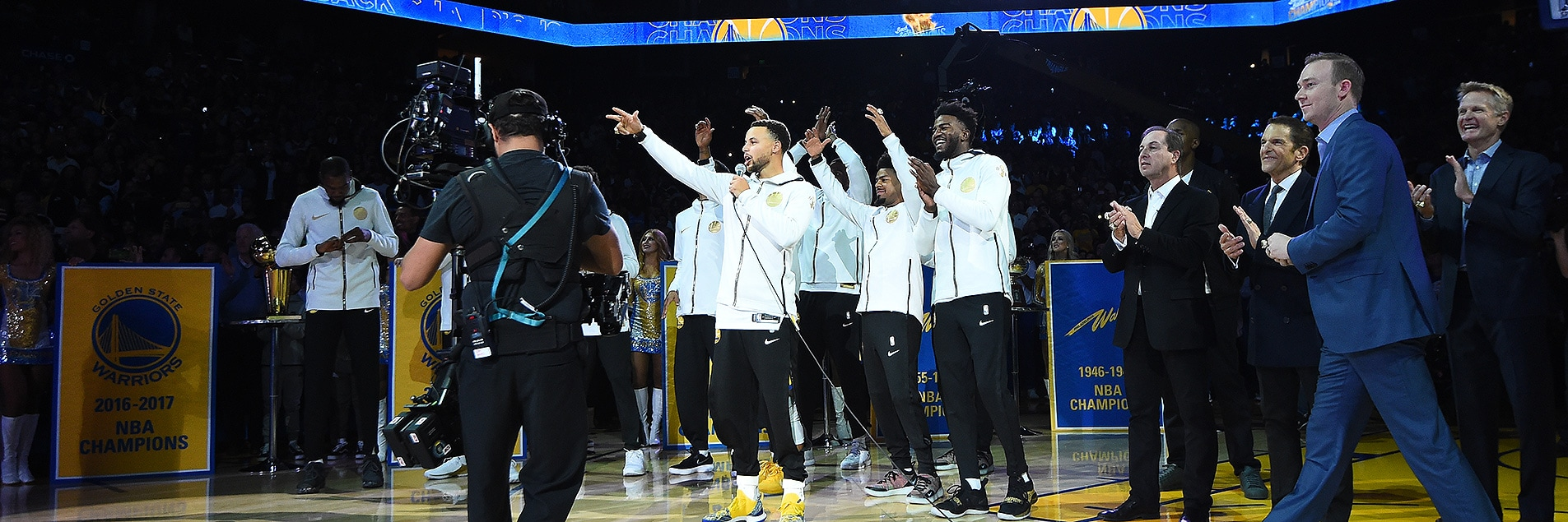 About Last Night: 7 Lasting Memories from the Dubs' Season Opener | Golden State Warriors