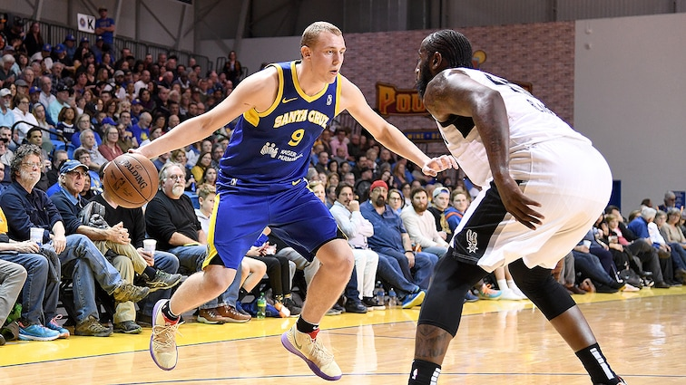 Warriors Acquire Draft Rights to Alen Smailagić from New Orleans