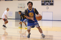 Boxing icon Manny Pacquiao visited Warriors headquarters on Friday, August 29.