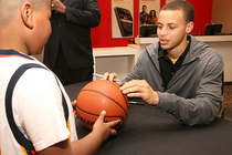 Stephen Curry Visits Verizon Wireless - 2/22/10