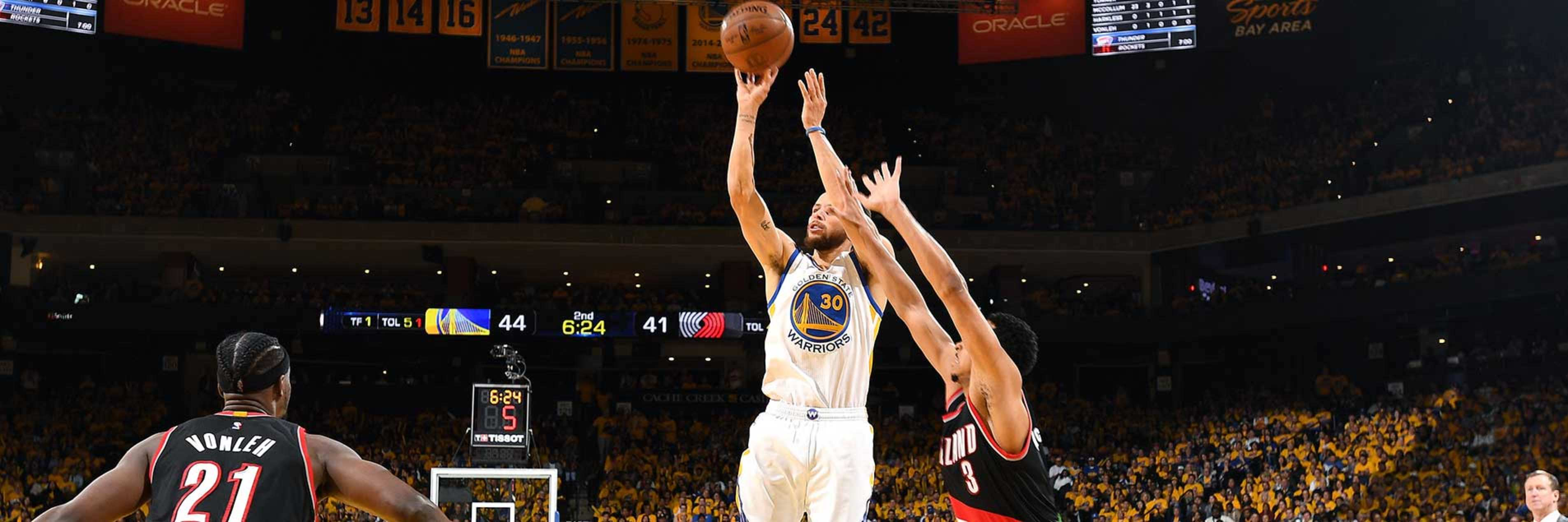 Warriors Use Fourth Quarter Burst to Beat Blazers | Golden State ...