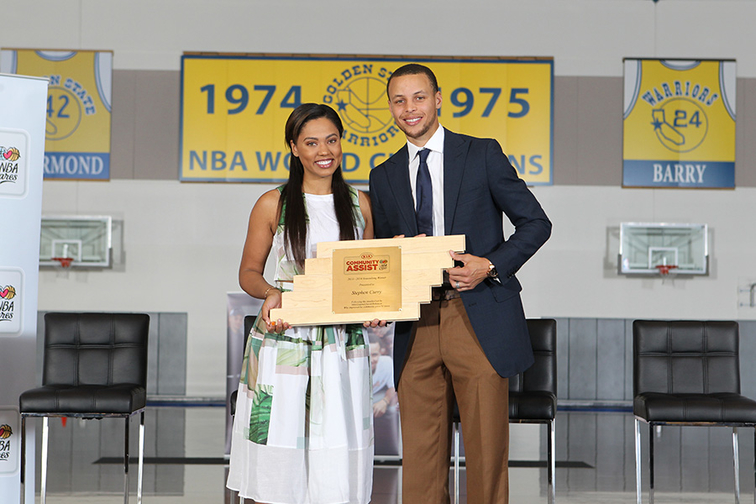 Stephen Curry Receives 2013-14 Kia Community Assist Seasonlong Award