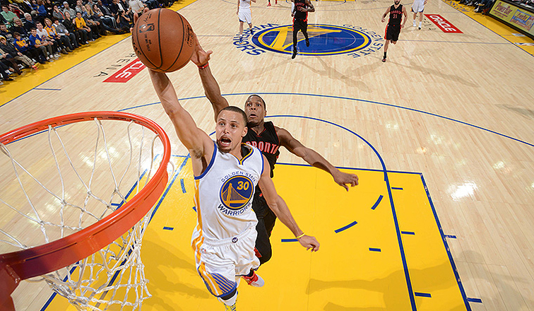 Curry, Green Lead Warriors Past Raptors | Golden State ...