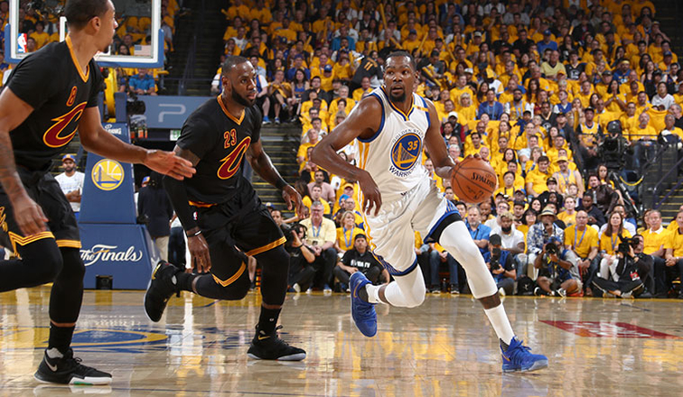 Warriors pull off late comeback to shock the Cavaliers