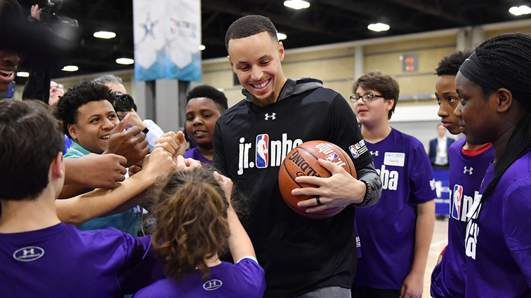 25f83411f5c9 Stephen Curry s All-Star Tipoff