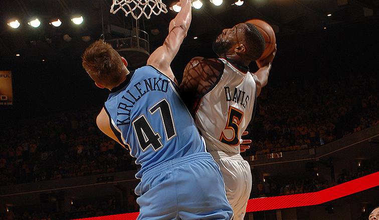 Baron Davis Dunks on Utah's Andrei Kirilenko in the 2007 NBA Playoffs