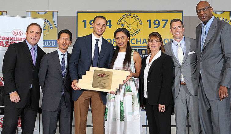Stephen Curry Receives NBA's 2013-14 Kia Community Assist Seasonlong Award