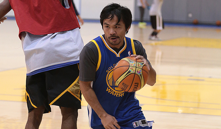 Manny Pacquiao 'Cross Training' at Warriors HQ