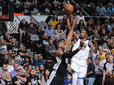 Spurs Top Warriors in Game 4