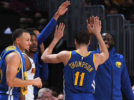 Dubs Splash their Way to First Place in the  West