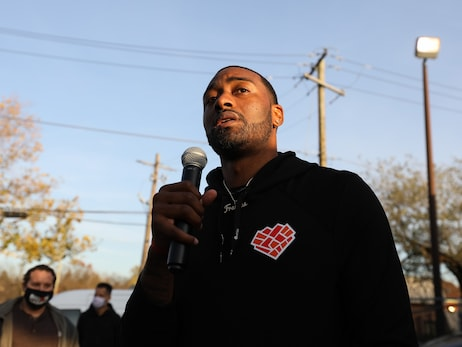 Photos: 2020 John Wall Thanksgiving Assist