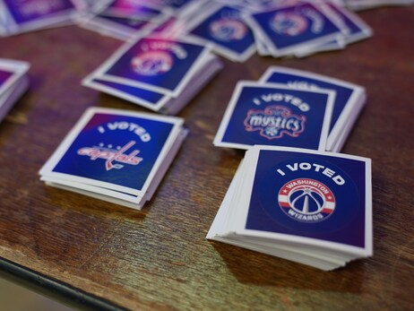 Photos: D.C. Early Voting begins at Capital One Arena