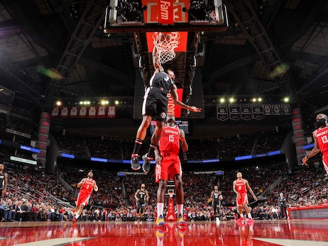 Rockets' historic 3-point shooting downs Wizards, 136-118