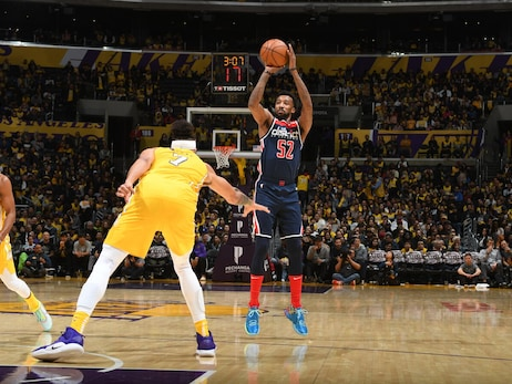 Wizards struggle to stop Lakers in 125-103 loss