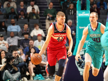 Hornets hold off Wizards late, 114-107