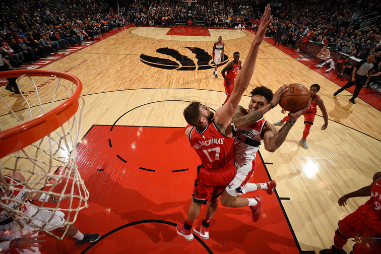 DeRozan scores 33 as Raptors beat Wizards