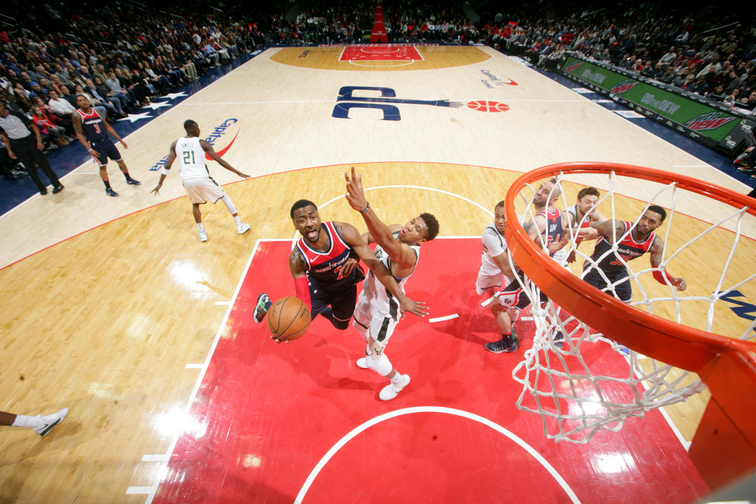 Giannis Leads Bucks Over Wizards
