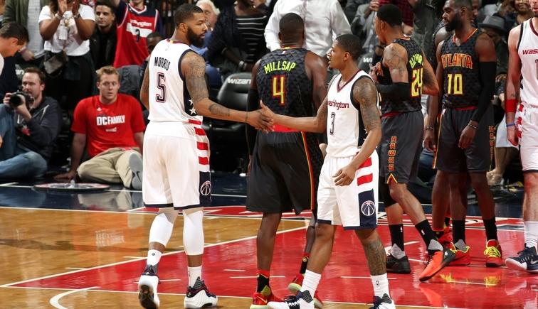 Wizards use late surge to go up 2-0 on Hawks
