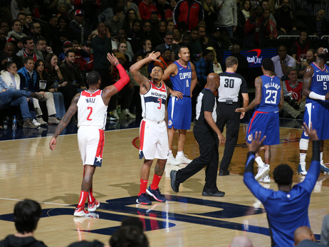 Wizards' furious comeback topples Clippers, 125-118