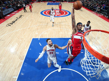 Wizards back from London to take on Pistons