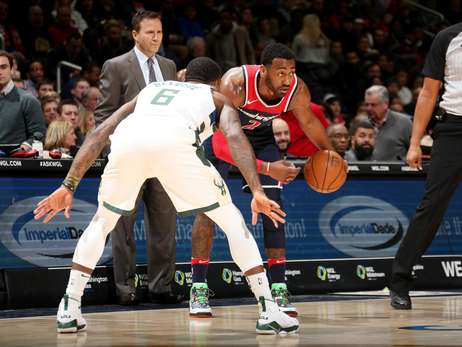 Wizards lose late to Bucks, 110-103