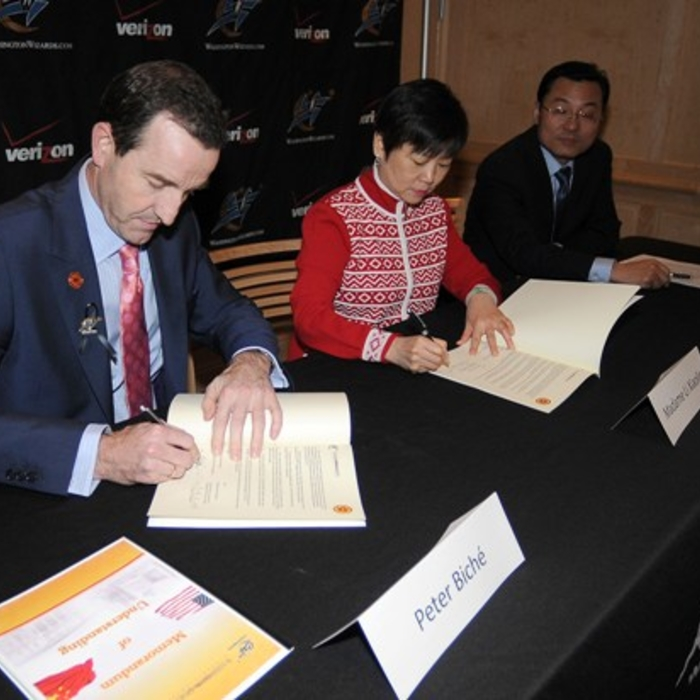 Wizards Sign Memorandum with Chinese Delegation