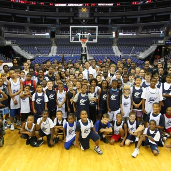 Hinrich Visits Wizards Basketball Camp